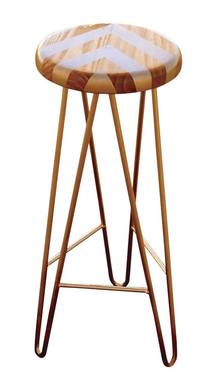 3-detalle-de-veta-del-asiento-banqueta-dorada_ta-bueno-muebles